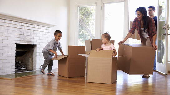 Family moving into new house, move