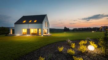 Rockzero campaign, family house, sunset
